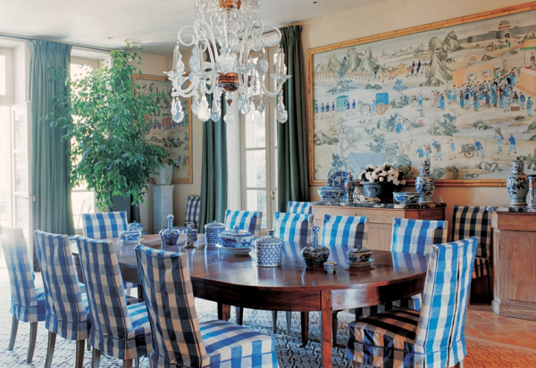 Blue and white dining room, Bunny Williams house in Provence