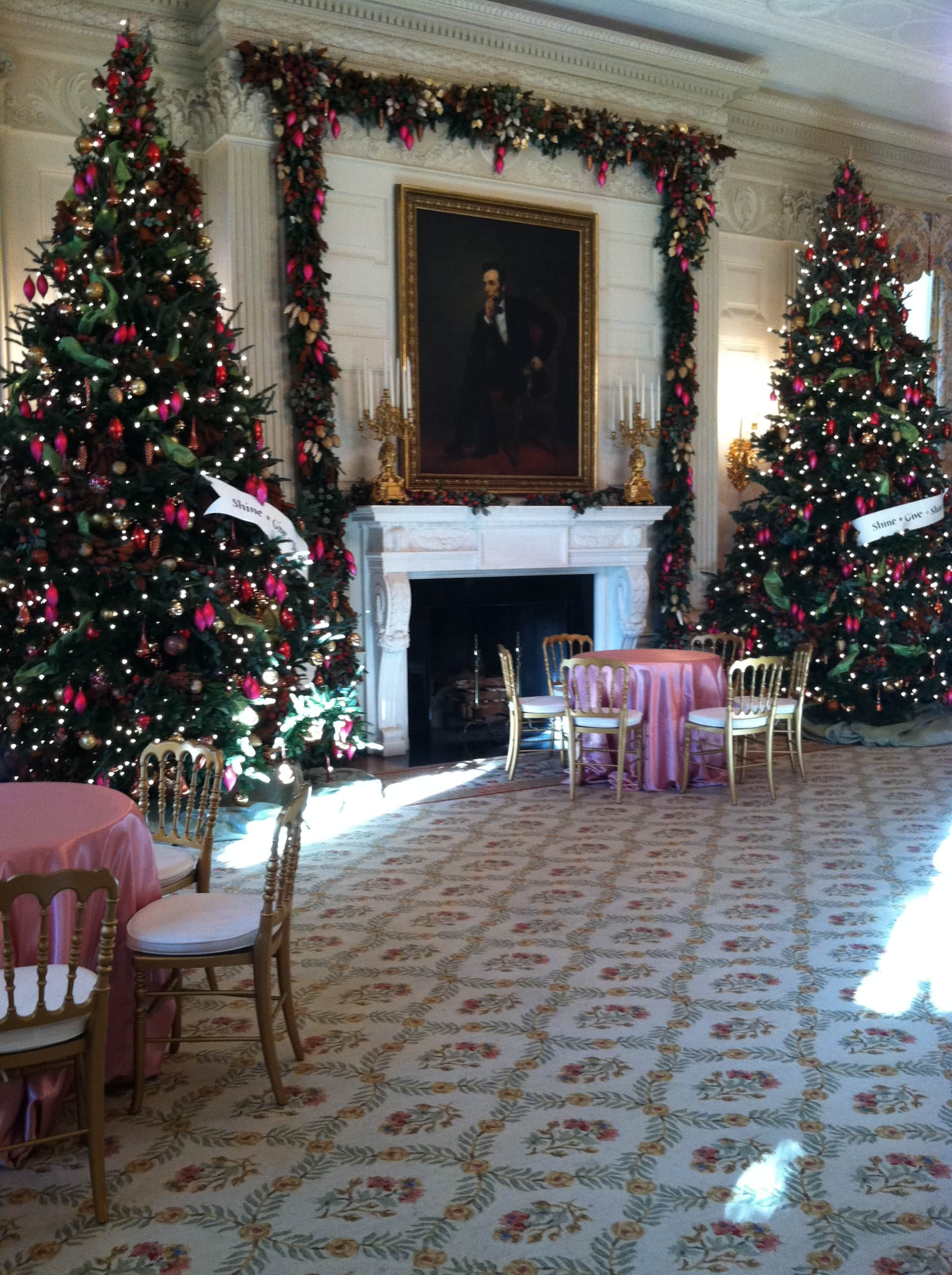 floral trellis needlepoint rug, White House State Dining Room