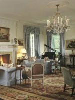 Image for 10 Stunning Rooms: How to Decorate with Aubusson Rugs with Medallions