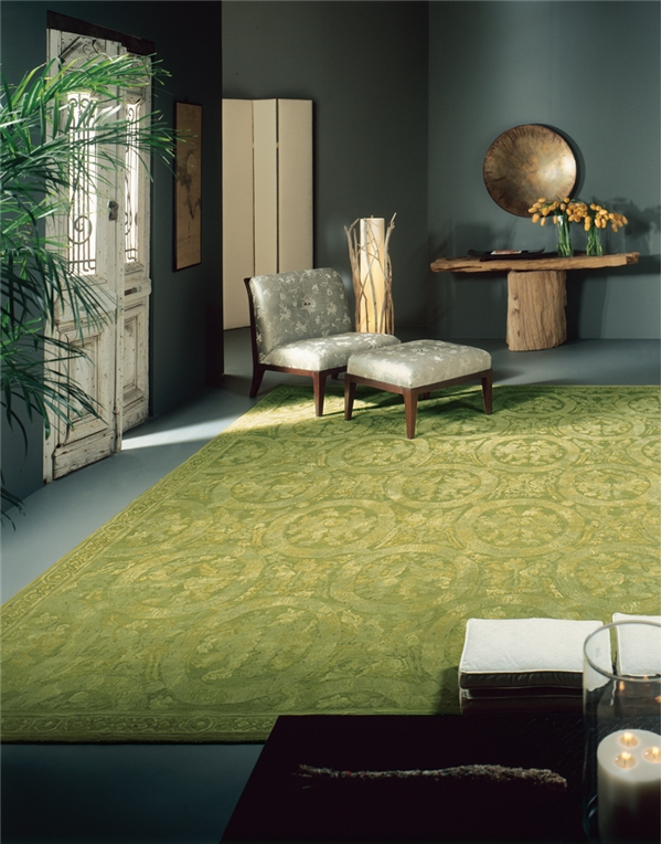Four Stylish Ways of Decorating with Green Rugs and Emerald Green