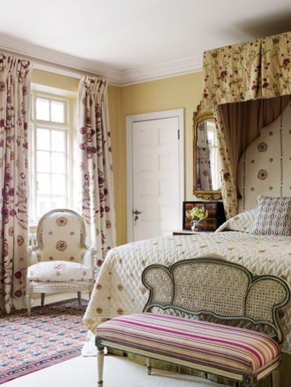 re-and-cream-oriental-rug-kit-kemp-bedroom-london-house-home-and-garden-magazine-london