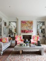 Image for Kit Kemp: 9 Tips for Bringing a Modern Vibe to Interiors with Red Rugs