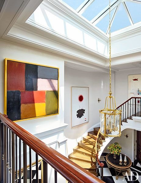 yellow-rug-stairs-Manhattan-Penthouse-by-John_Murray-and-Elissa_Cullman-architectural-digest-november-2015