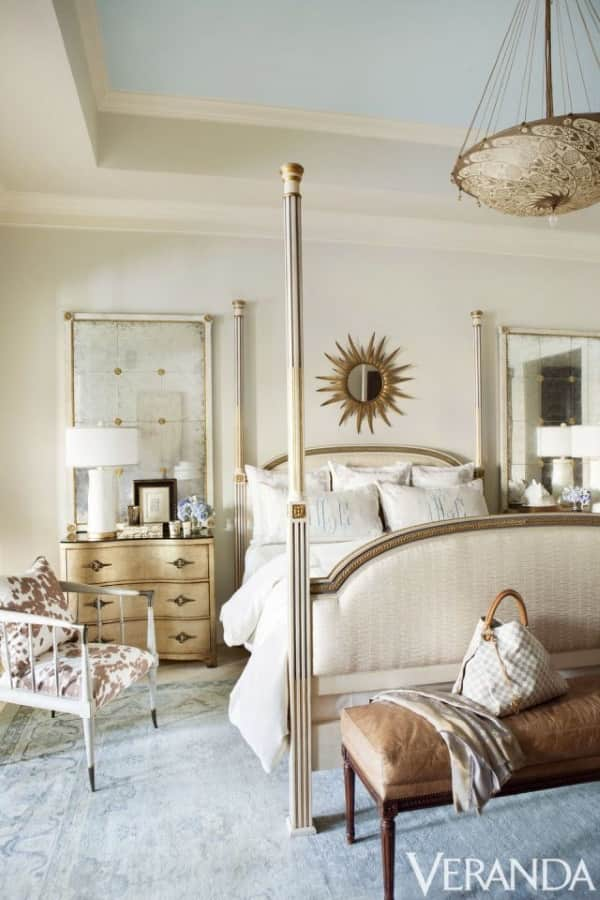 11 Ways Oversized Rugs Make Large Bedrooms Feel Chic and Cozy