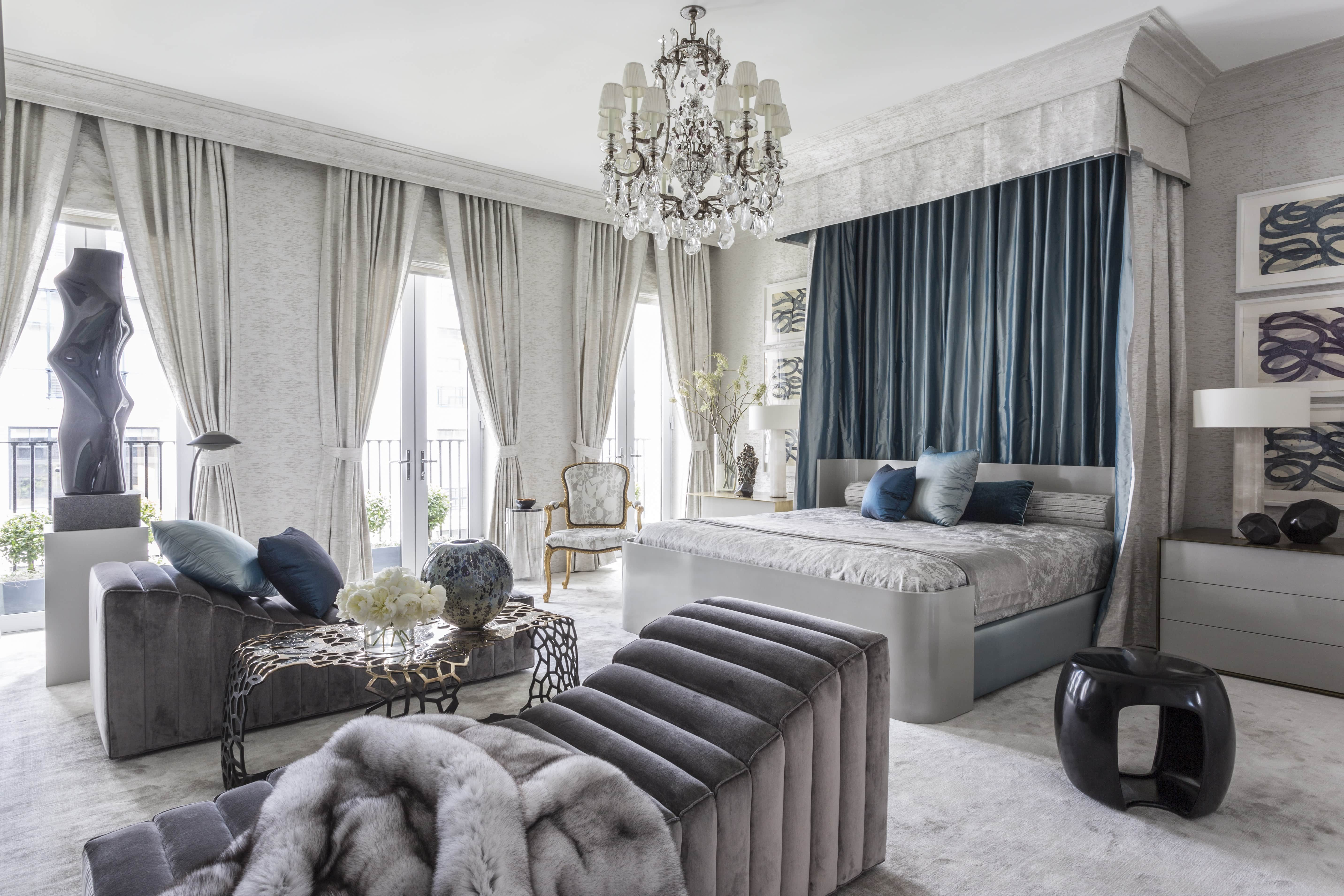 Gray-rug-blue-bedroom-designed-by-Jamie-Drake-Caleb-Anderson-2016-Kips-Bay-Show-House-architectural-digest-june-2016.jpg