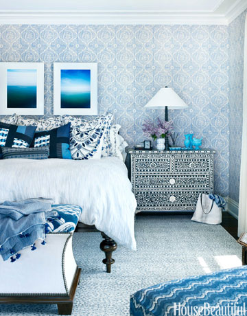 Blue-rug-moroccan-style-bedroom-in-lake-michigan-house-by-martin-horner-soucie-horner-house-beautiful.jpg