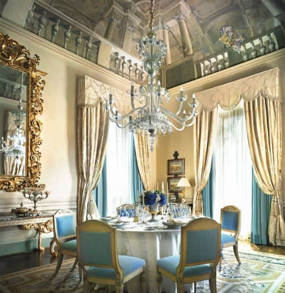 Blue-and-cream-Aubusson-rug-dining-room-Four-Seasons-Hotel-Florence-1.7k.jpg