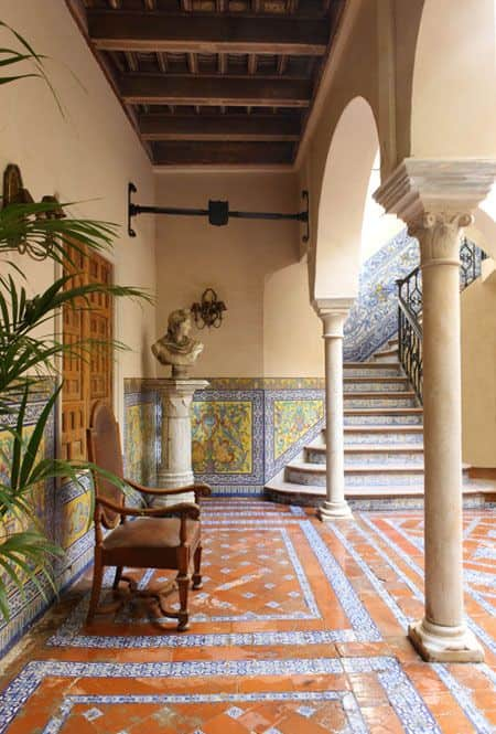17th-Century-Seville-Palace-Lorenzo-Castillo-Europes-It-Designer-veranda-September-2013.jpg