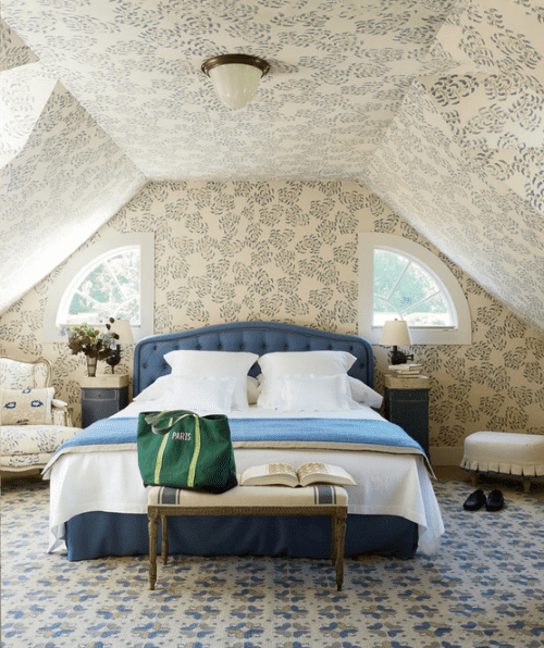 blue-and-beige-geometric-rug-guest-bedroom-Emilia-Fanjul-Pfeifler-Home-Locust-Valley-New-York-Photo-by-Oberto-Gili-Vogue-January-2014.png