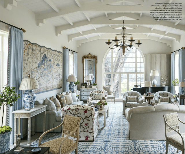 blue-and-white-samarkand-oriental-rug-living-room-dallas-home-designed-by-cathy-kincaid-veranda-may-2017.png