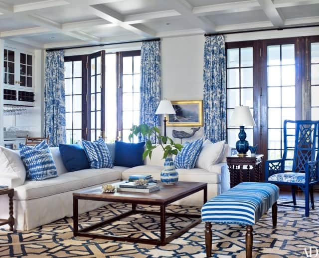 blue-contemporary-rug-living-room-in-amos-house-in-maine-by-Suzanne-Kasler-Les-Cole-architectural-digest-July-2016.jpg