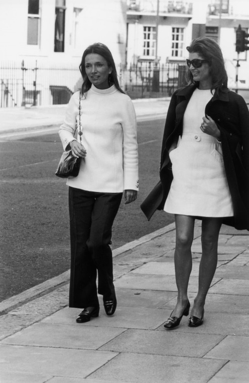 Jackie Kennedy Onassis and Lee Radziwill-in-london-William Lovelace-Express-Getty-Images.jpg